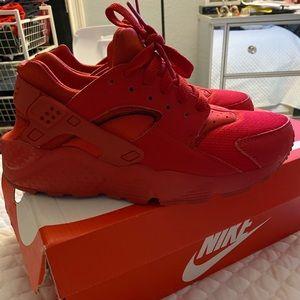 Red Nike Huraches, boys size 6, woman's 7.5